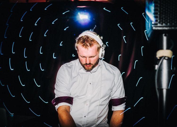 DJ Tom Rix